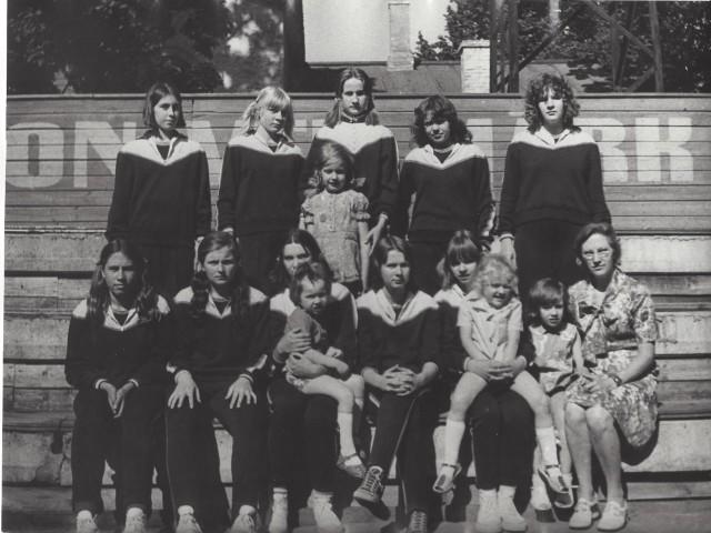 1961 NAISED JA MEHED